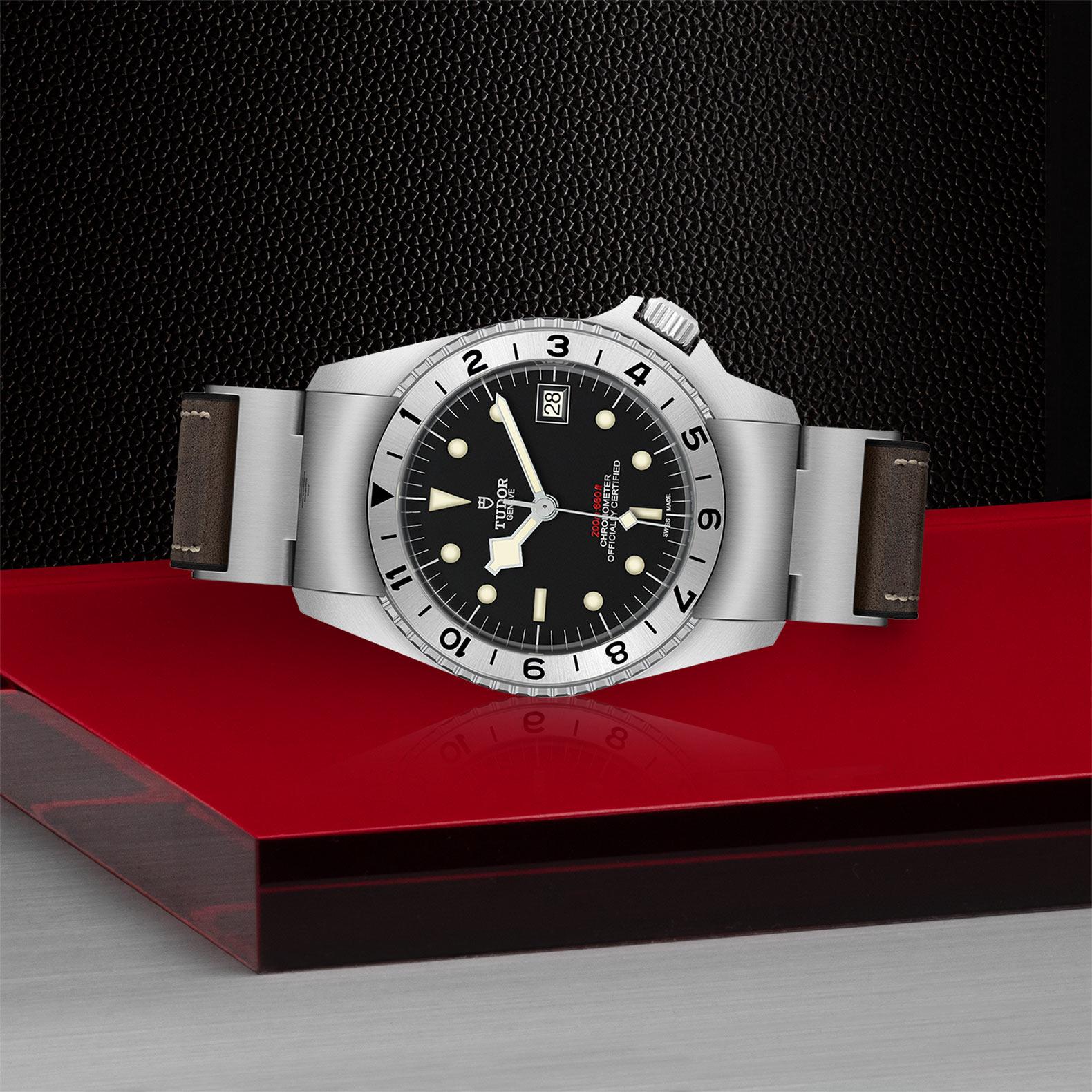 TUDOR Black Bay P01 M70150 0001 Layingdown