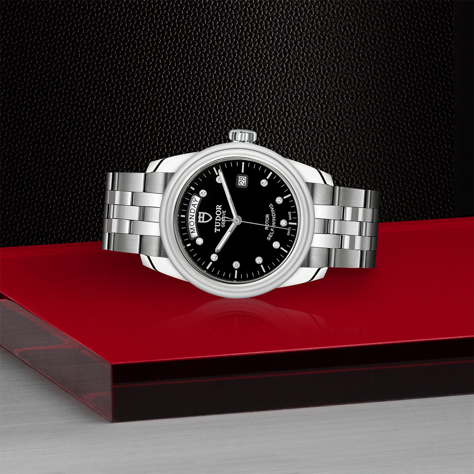 TUDOR Glamour Date Day M56000 0008 Layingdown