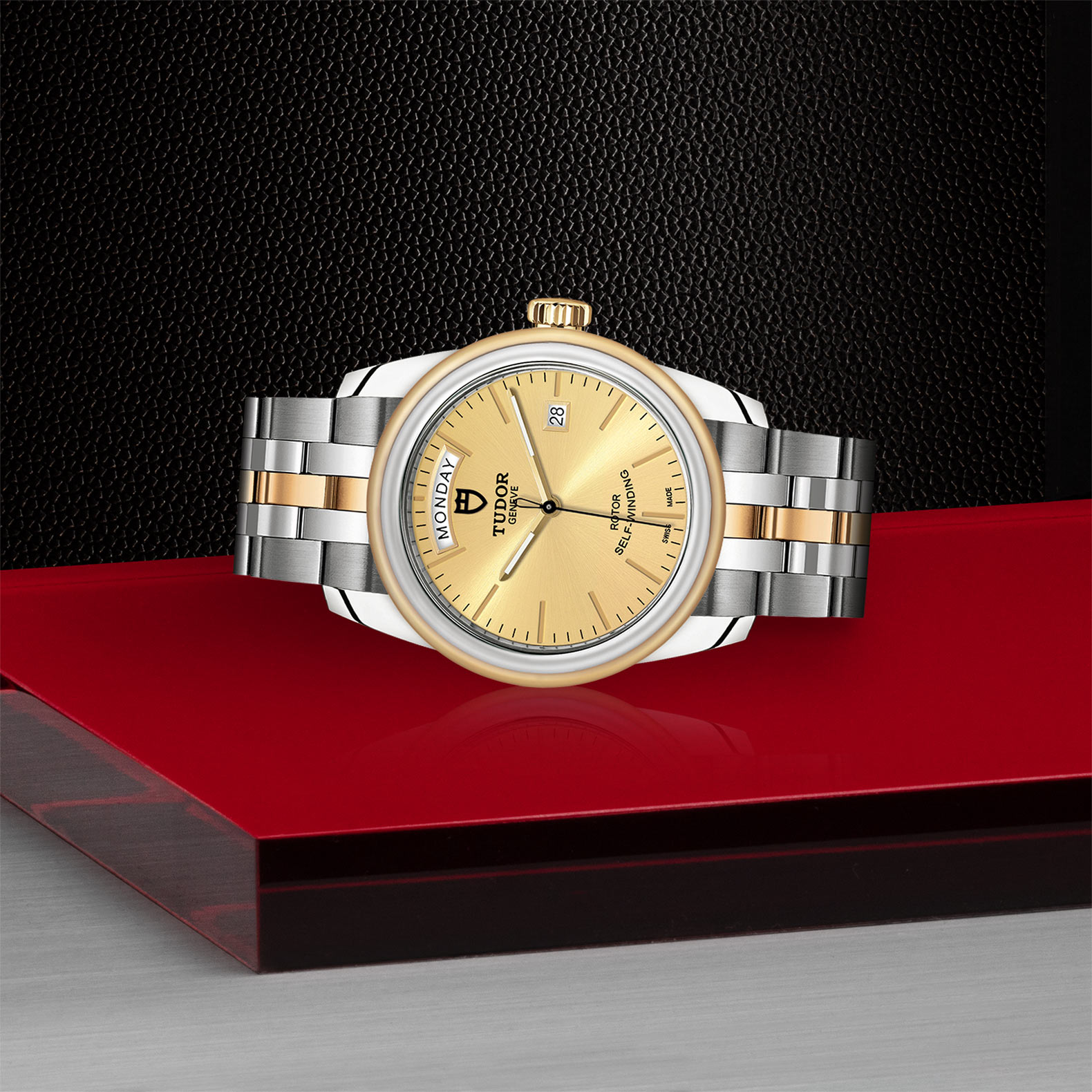 TUDOR Glamour Date Day M56003 0005 Layingdown