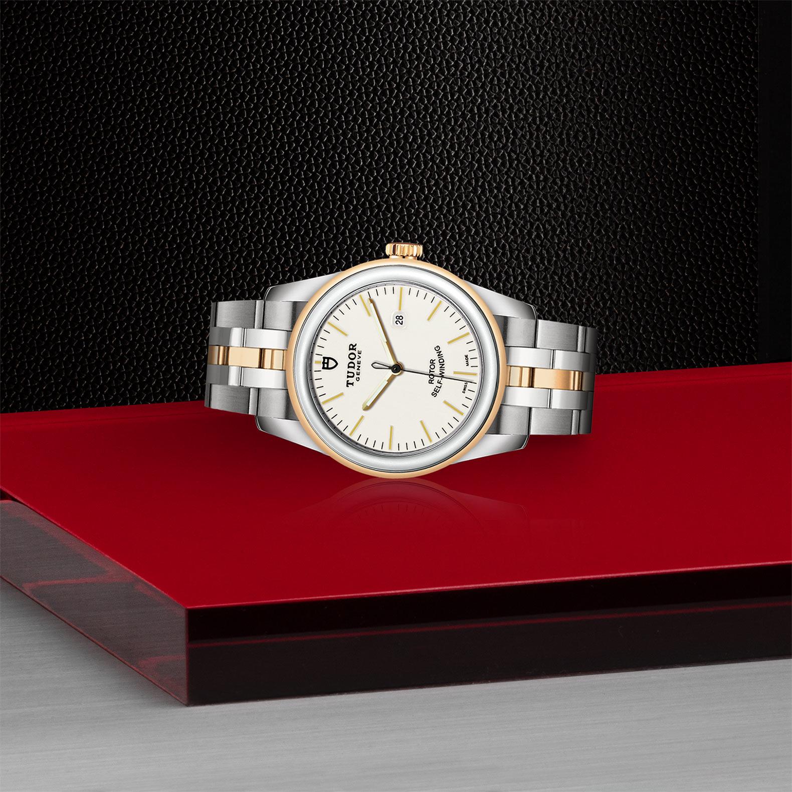 TUDOR Glamour Date M53003 0065 Layingdown