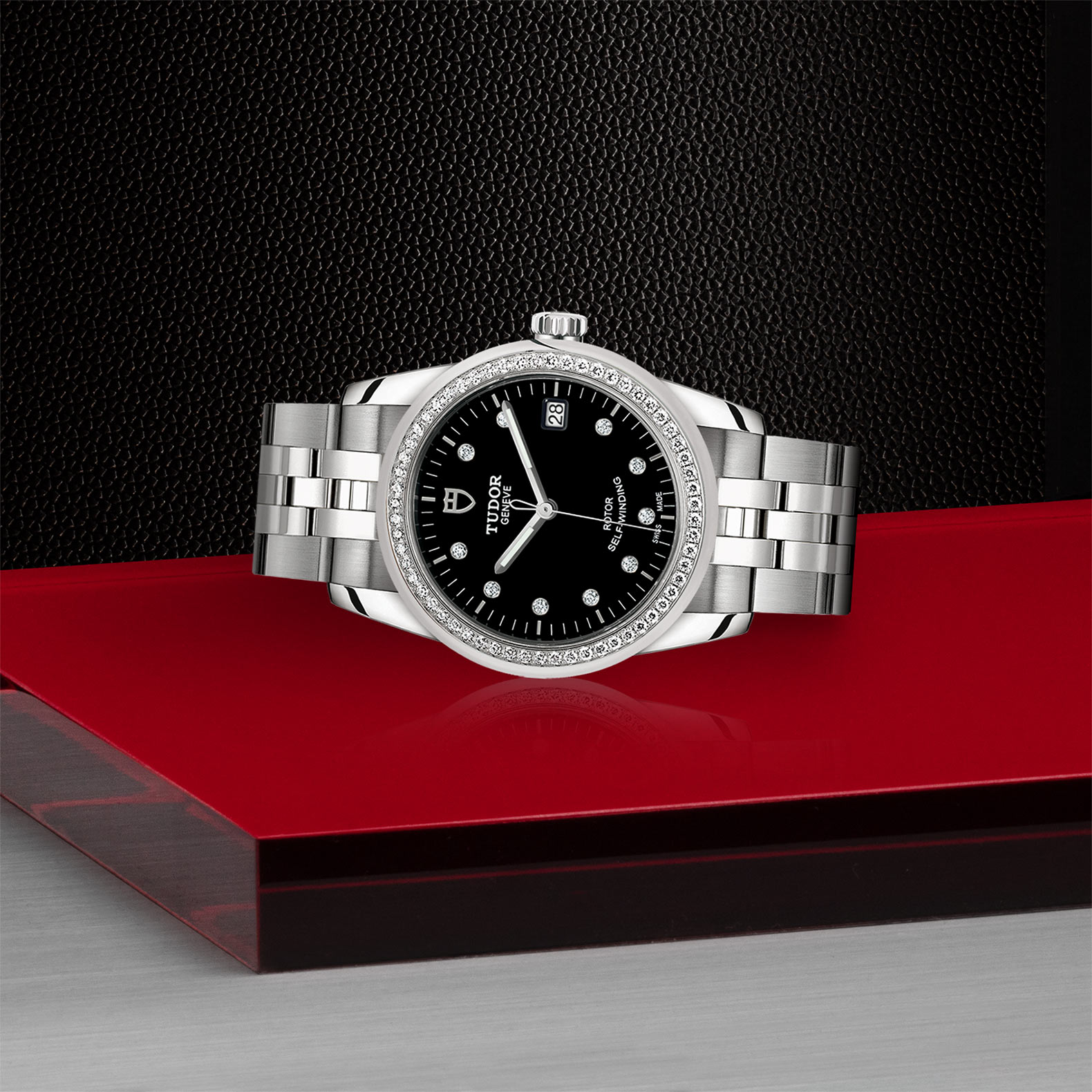 TUDOR Glamour Date M55020 0007 Layingdown