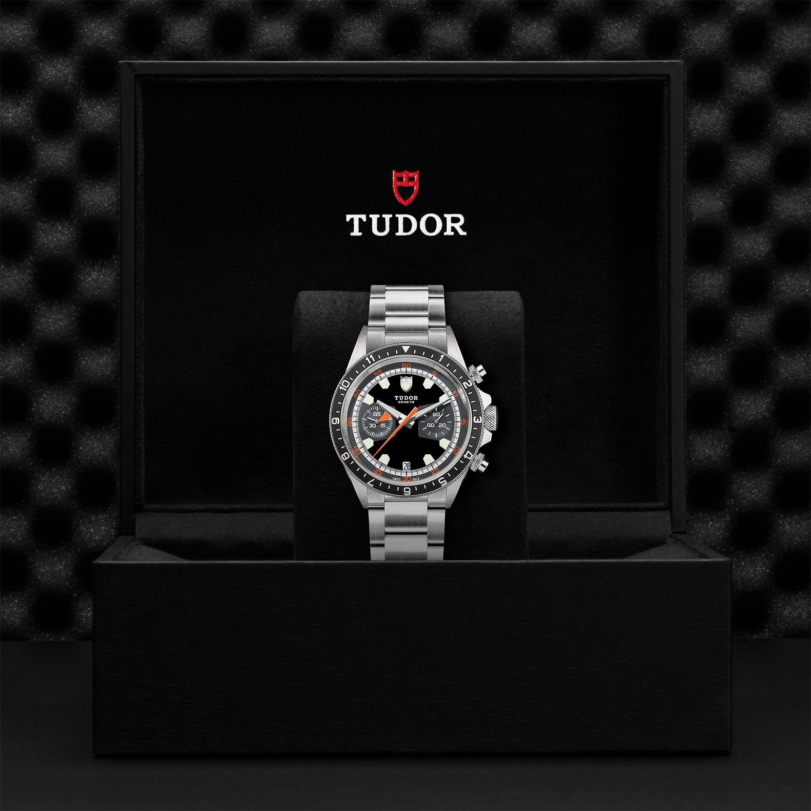 TUDOR Heritage Chrono M70330N 0005 Presentation
