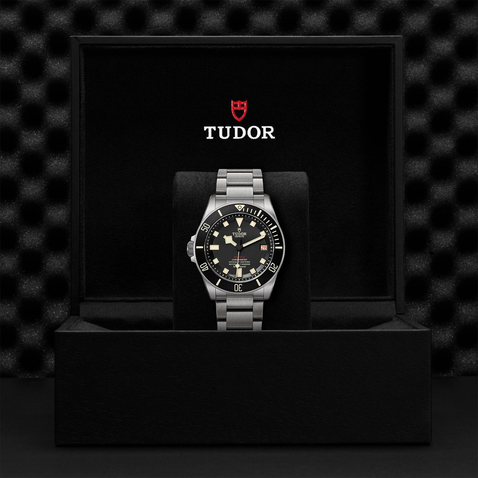 TUDOR Pelagos LHD M25610TNL 0001 Presentation