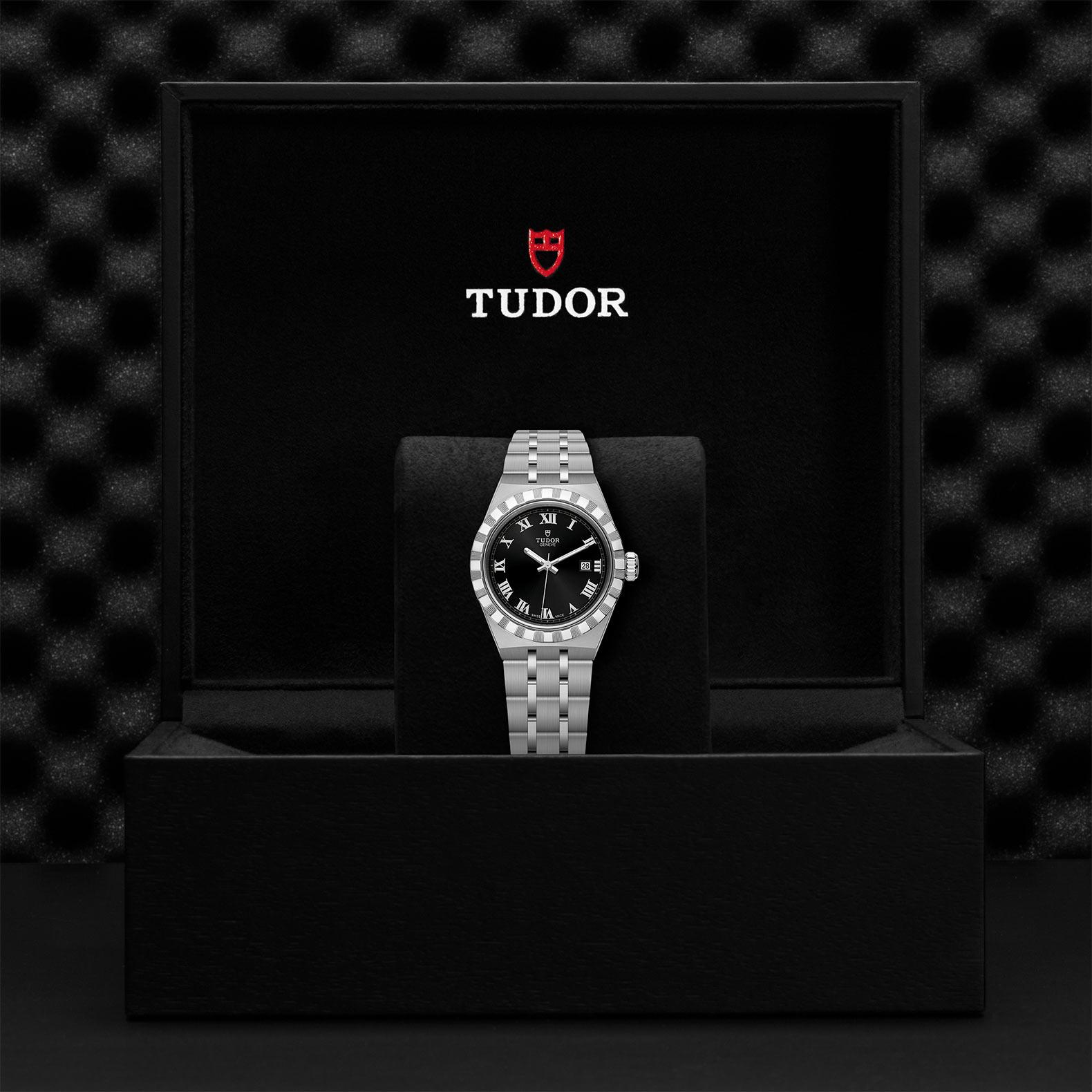 TUDOR Royal M28300 0003 Presentation