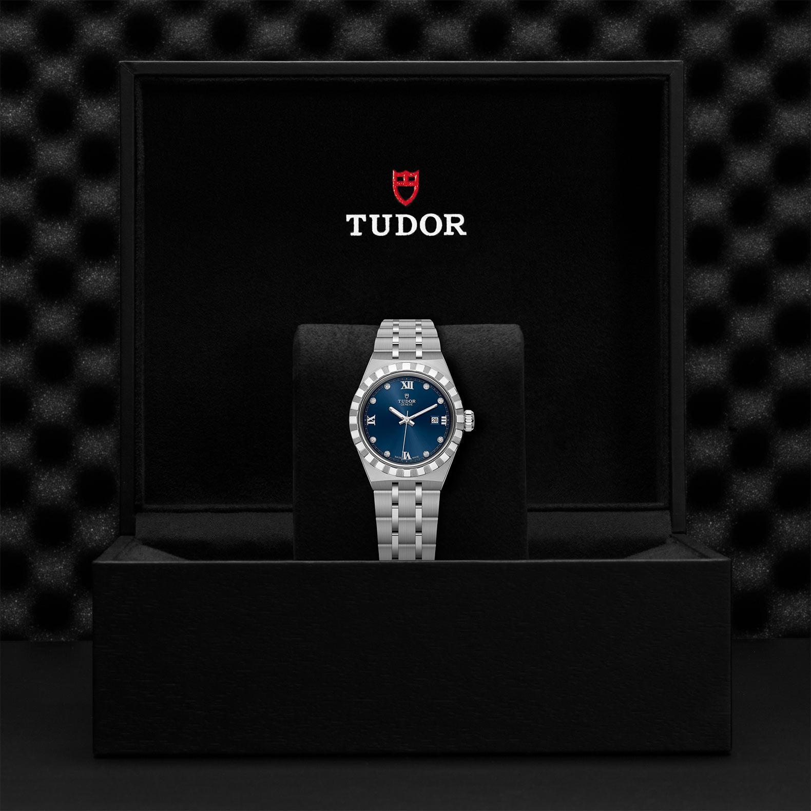 TUDOR Royal M28300 0007 Presentation