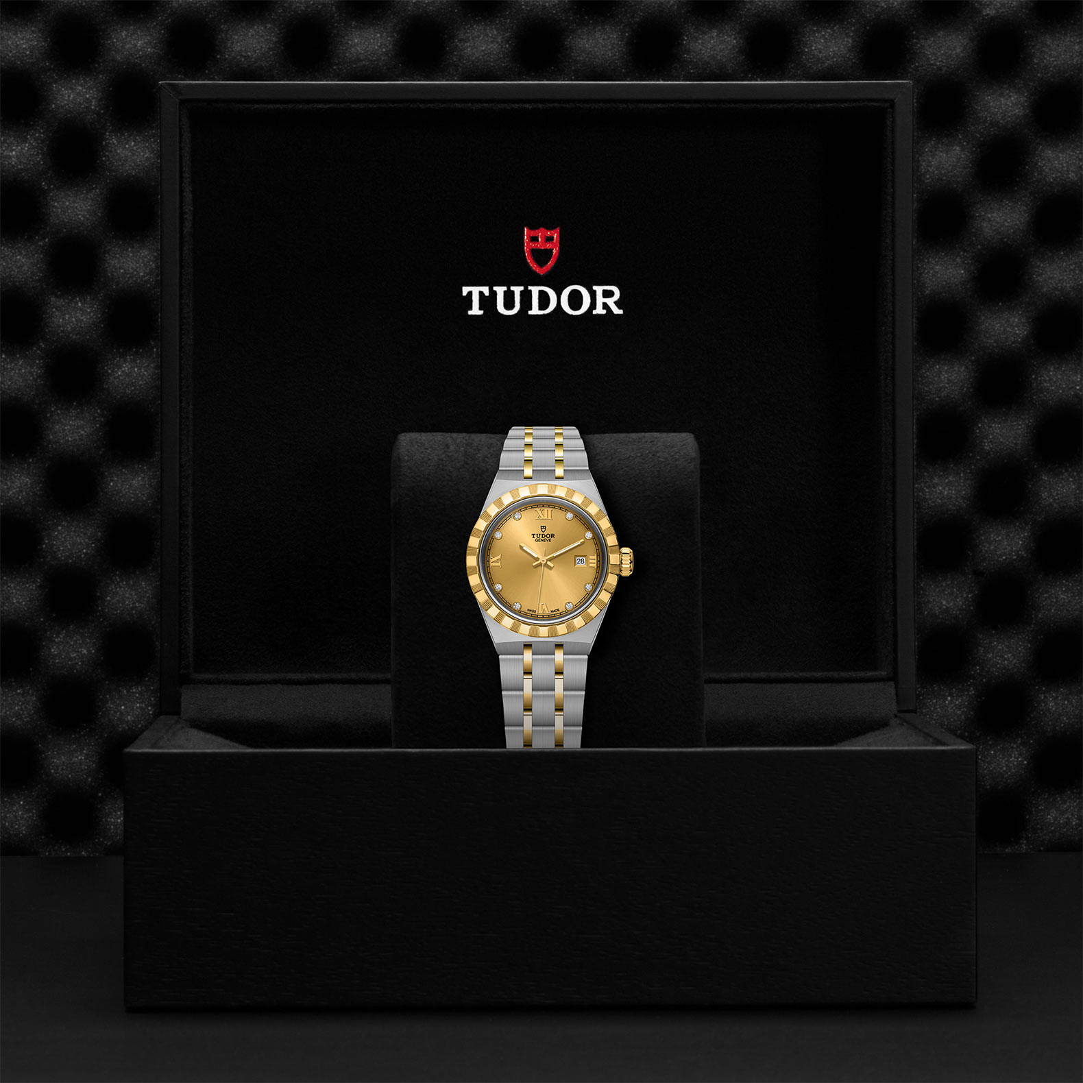 TUDOR Royal M28303 0006 Presentation