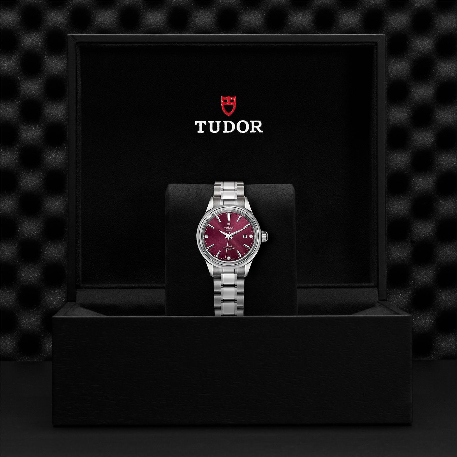 TUDOR Style M12100 0015 Presentationbox