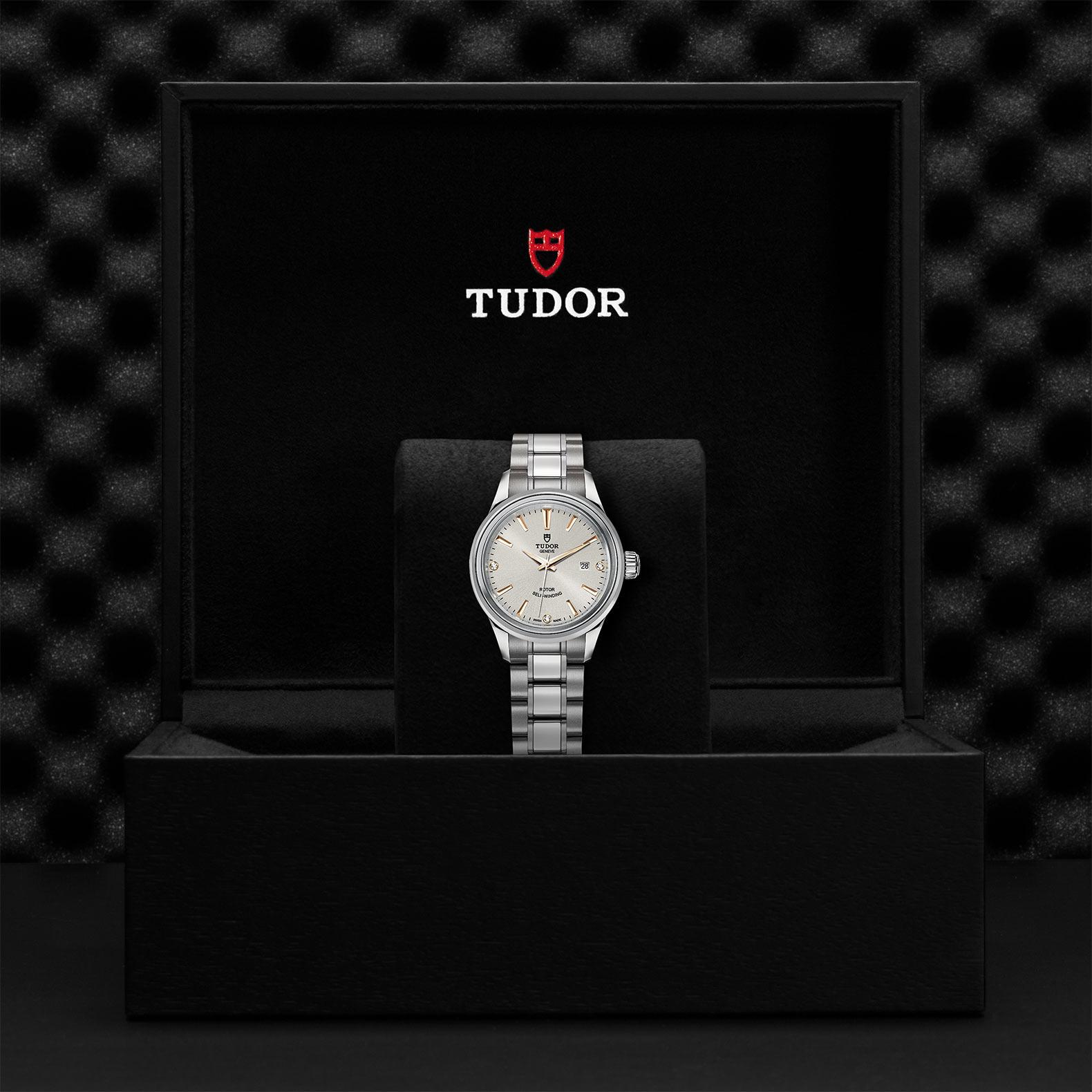 TUDOR Style M12100 0019 Presentationbox