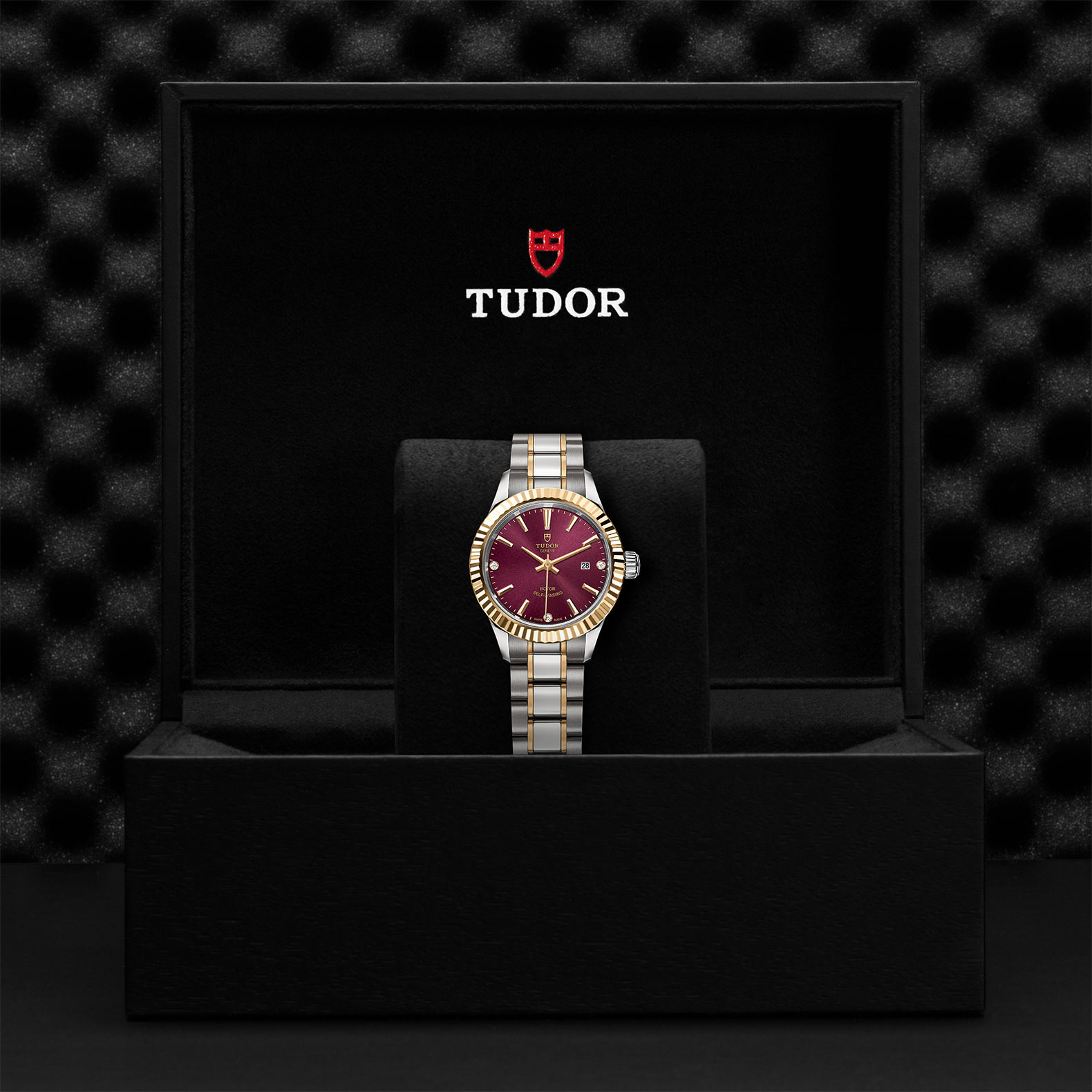 TUDOR Style M12113 0015 Presentation