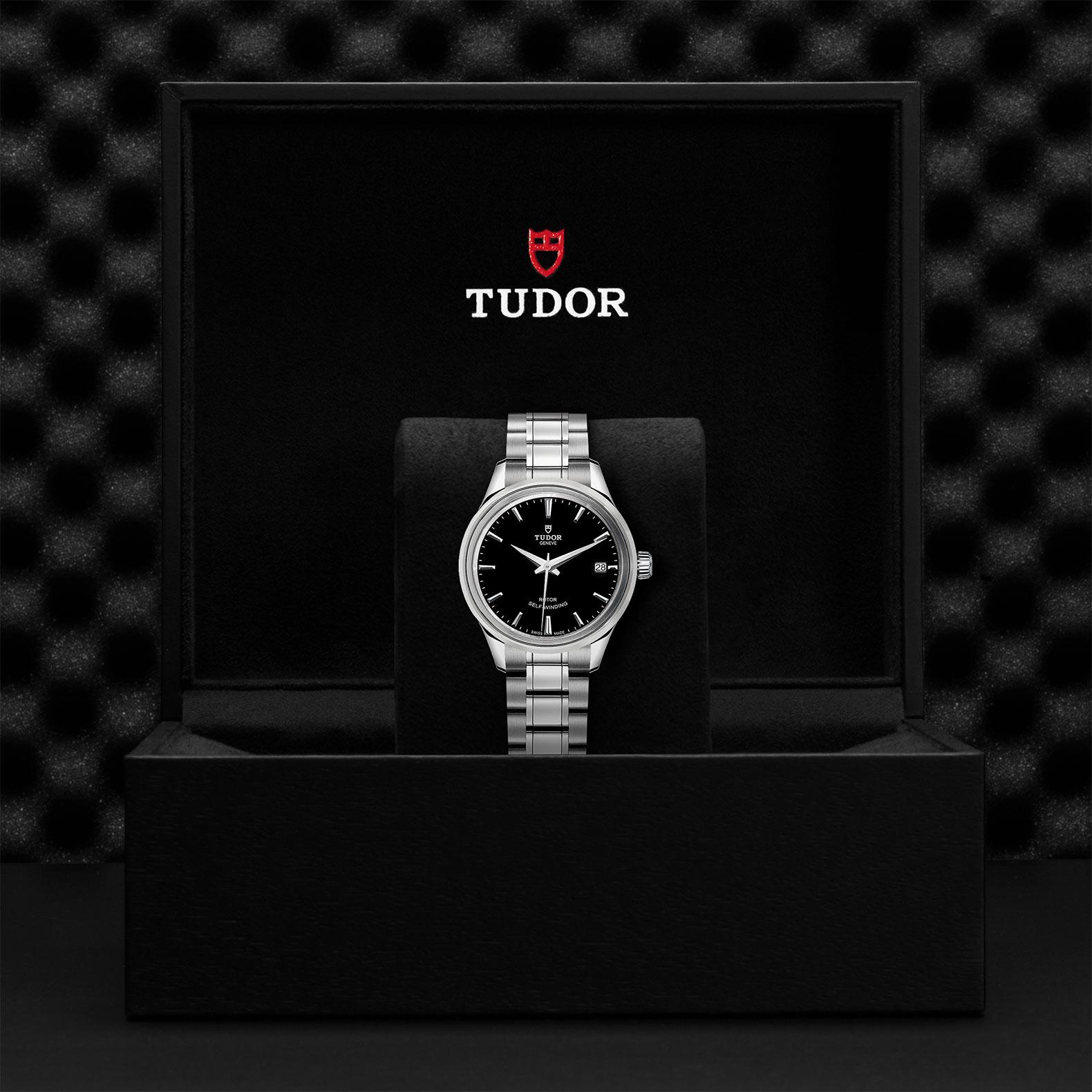 TUDOR Style M12300 0002 Presentationbox