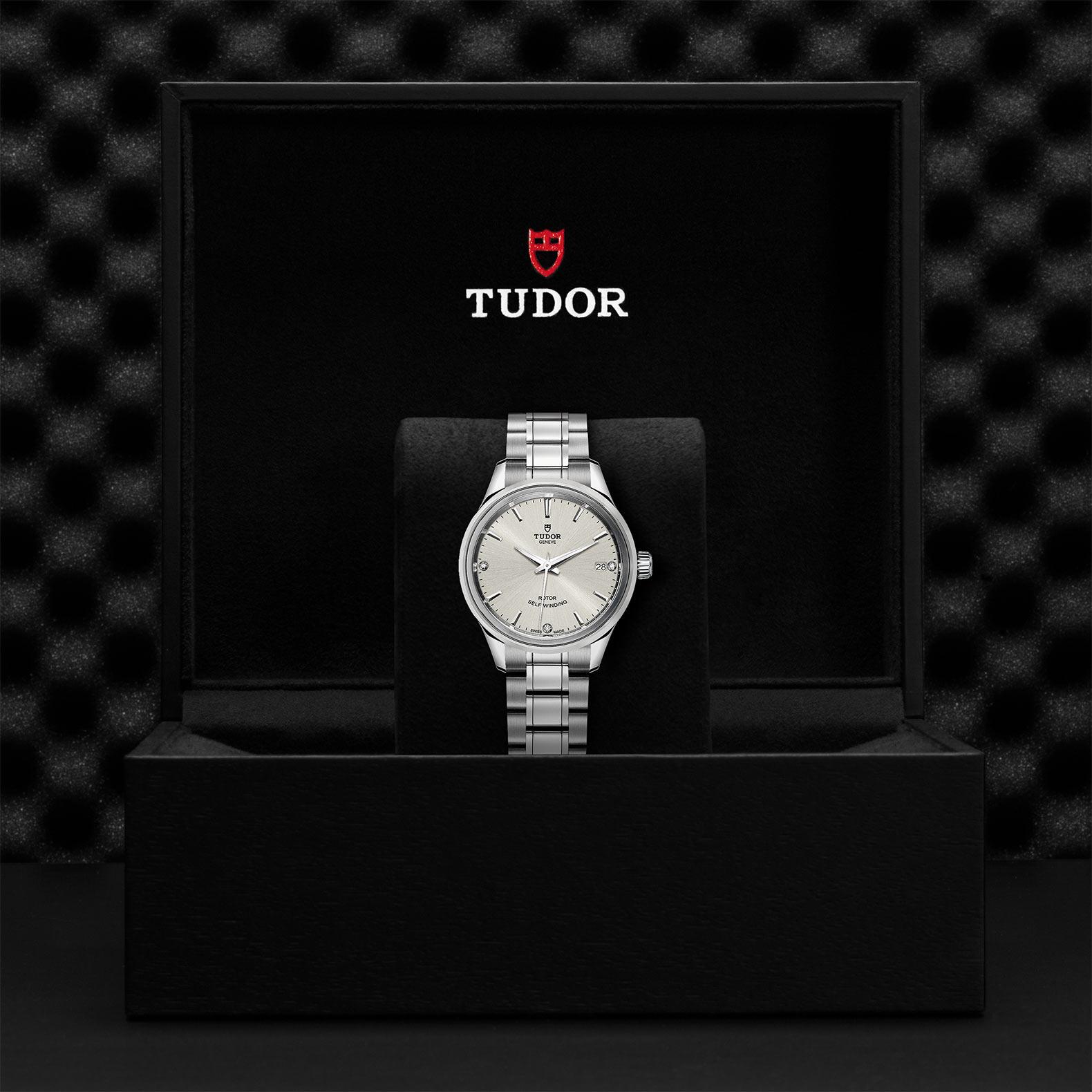TUDOR Style M12300 0003 Presentationbox