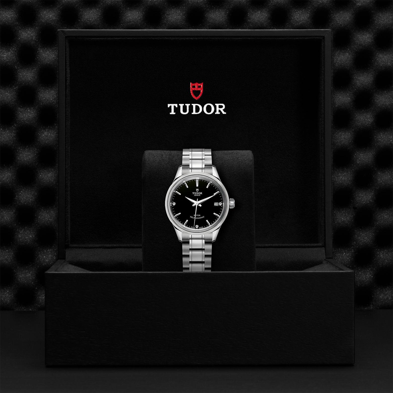 TUDOR Style M12300 0004 Presentationbox