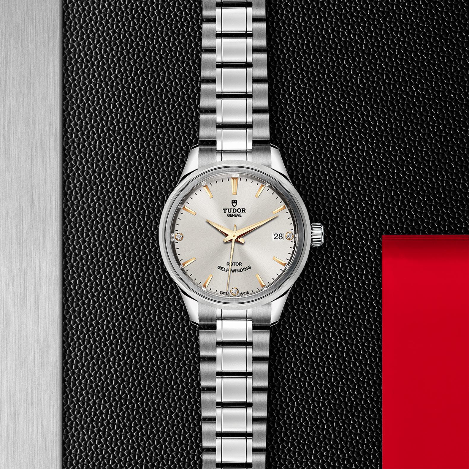 TUDOR Style M12300 0019 Flatlay