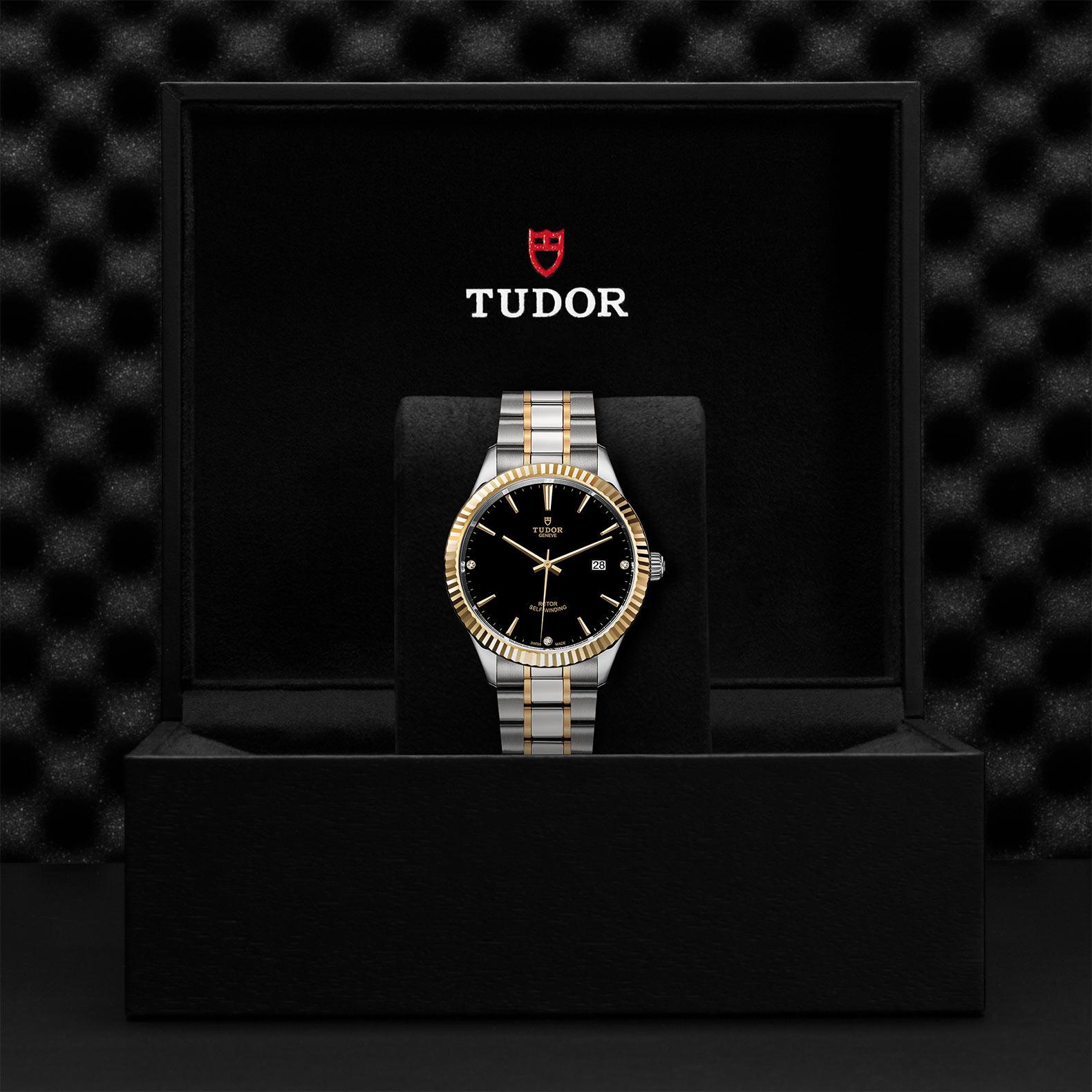 TUDOR Style M12713 0011 Presentationbox