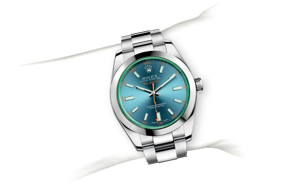 m116400gv 0002 modelpage on wrist landscape