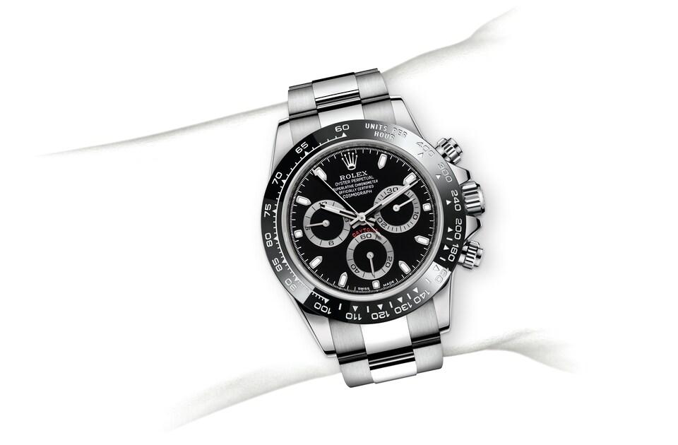 m116500ln 0002 modelpage on wrist landscape