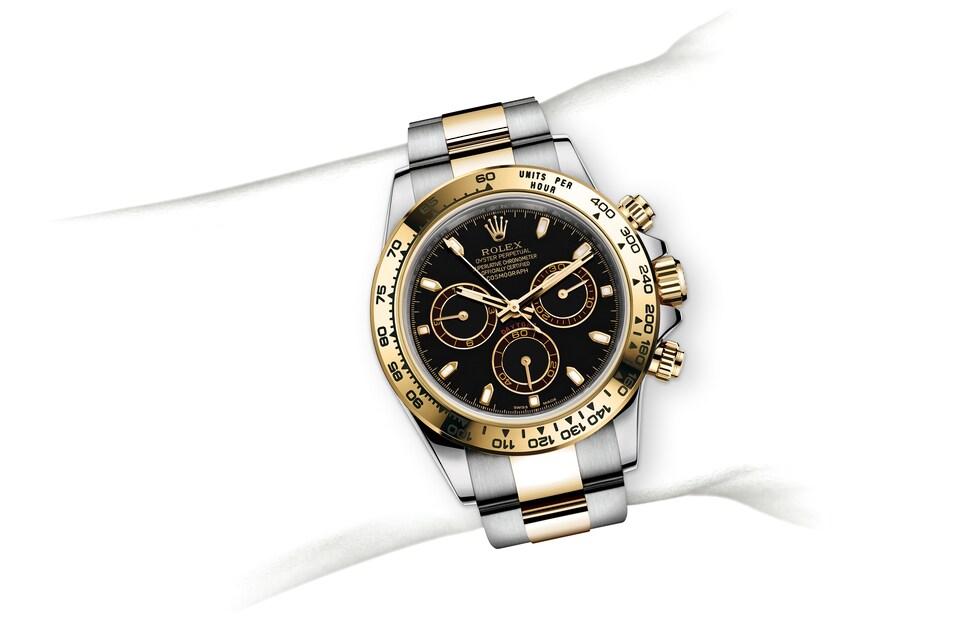 m116503 0004 modelpage on wrist landscape
