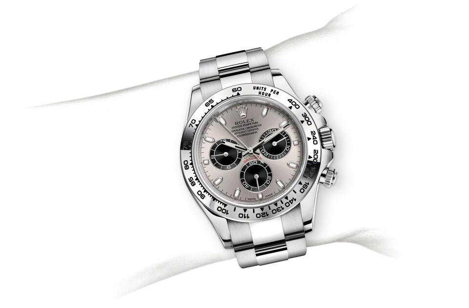 m116509 0072 modelpage on wrist landscape