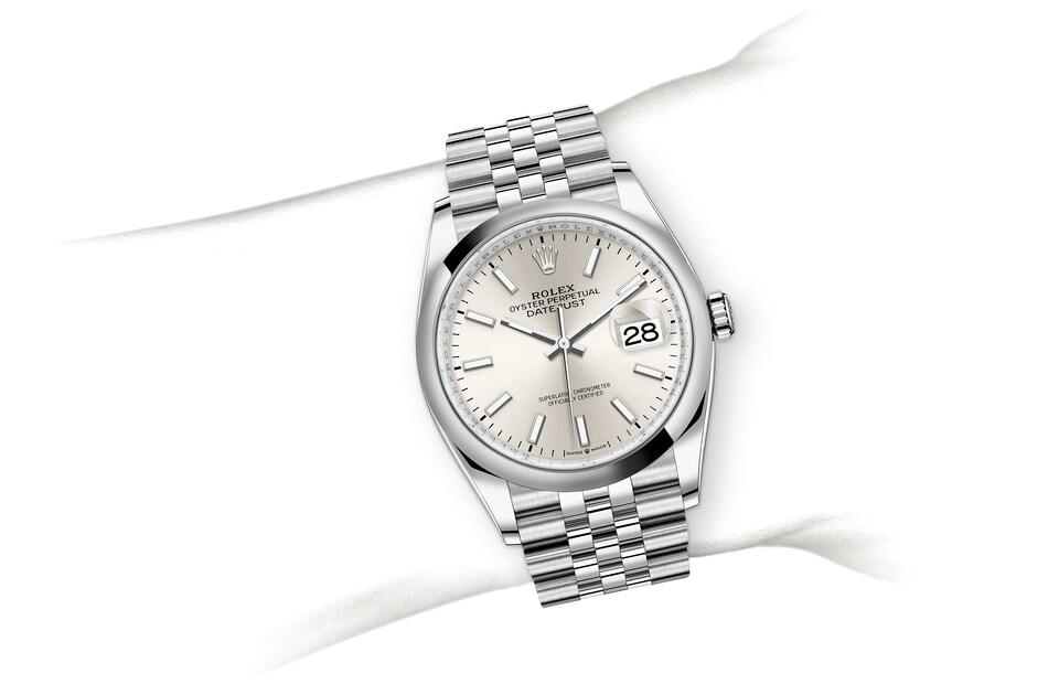 m126200 0001 modelpage on wrist landscape