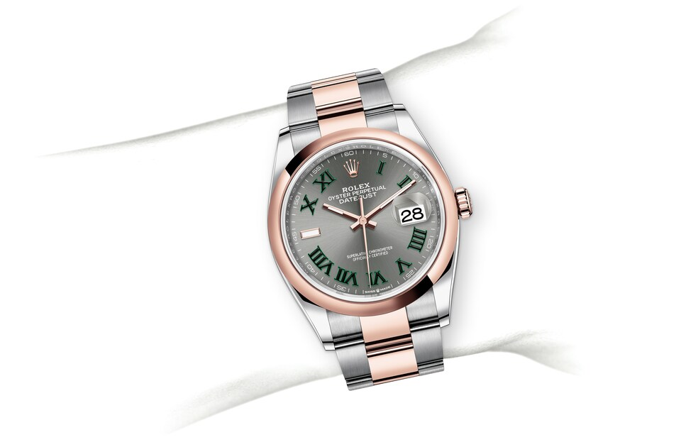 m126201 0030 modelpage on wrist landscape