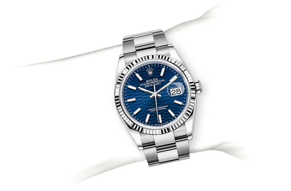 m126234 0050 modelpage on wrist landscape