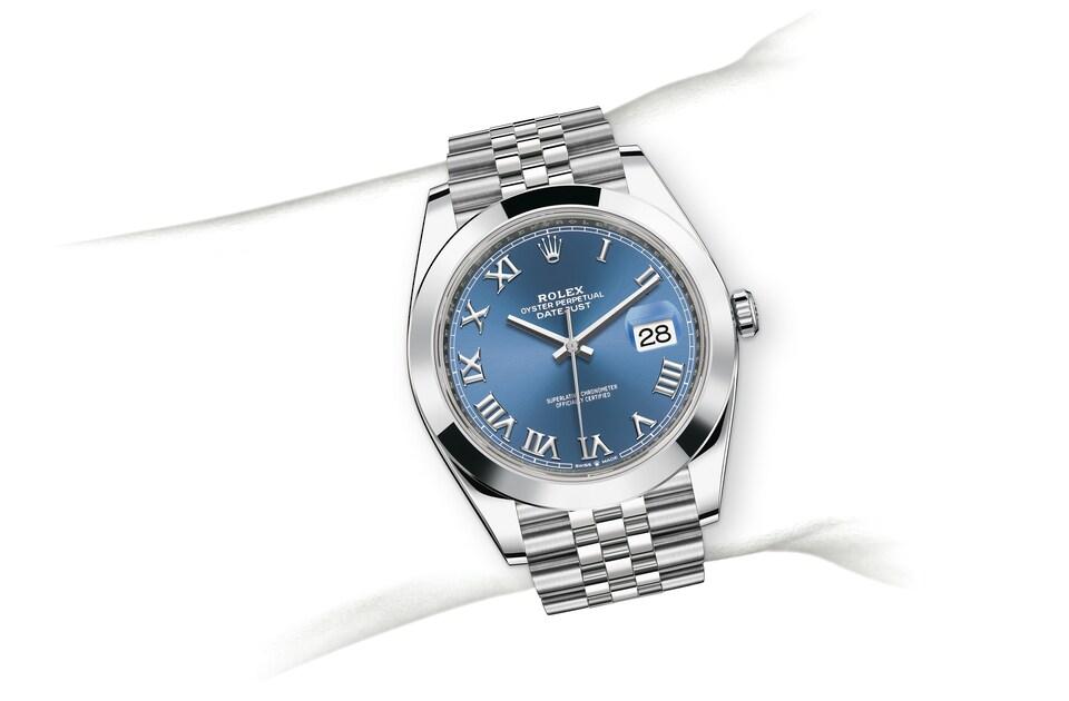 m126300 0018 modelpage on wrist landscape