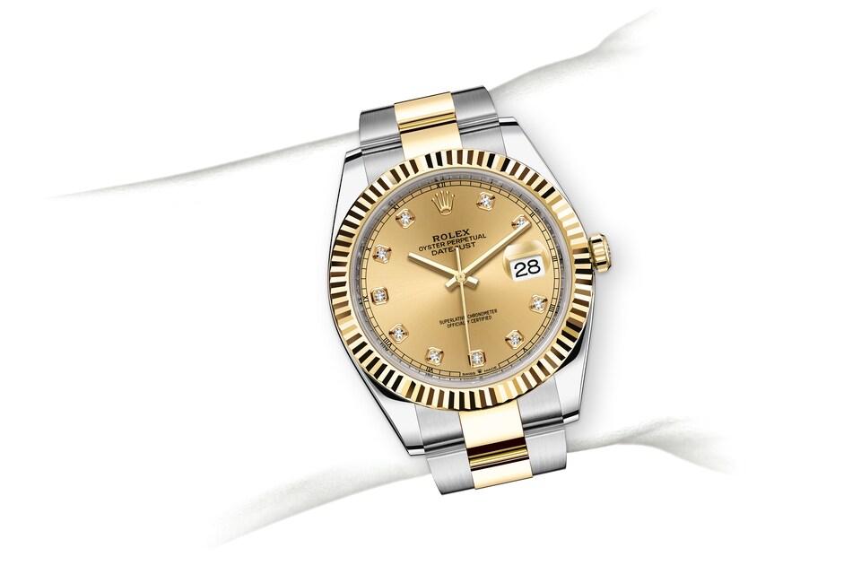 m126333 0011 modelpage on wrist landscape