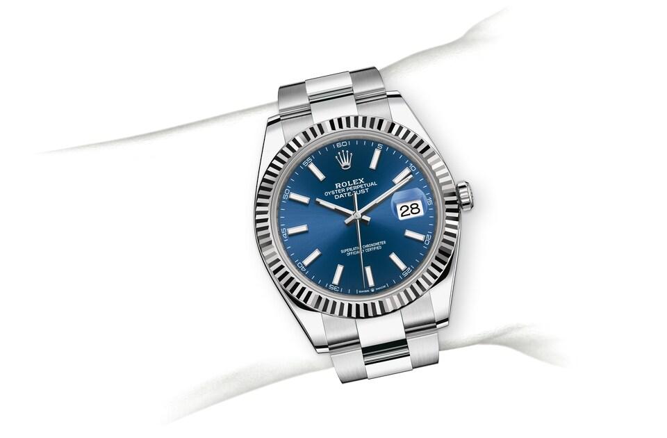 m126334 0001 modelpage on wrist landscape