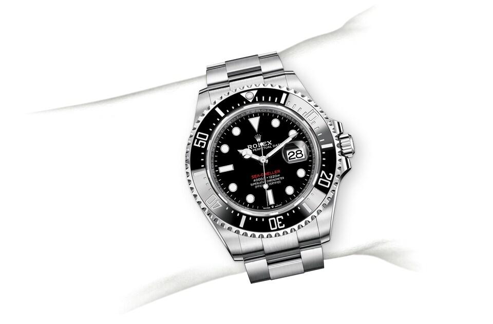 m126600 0001 modelpage on wrist landscape
