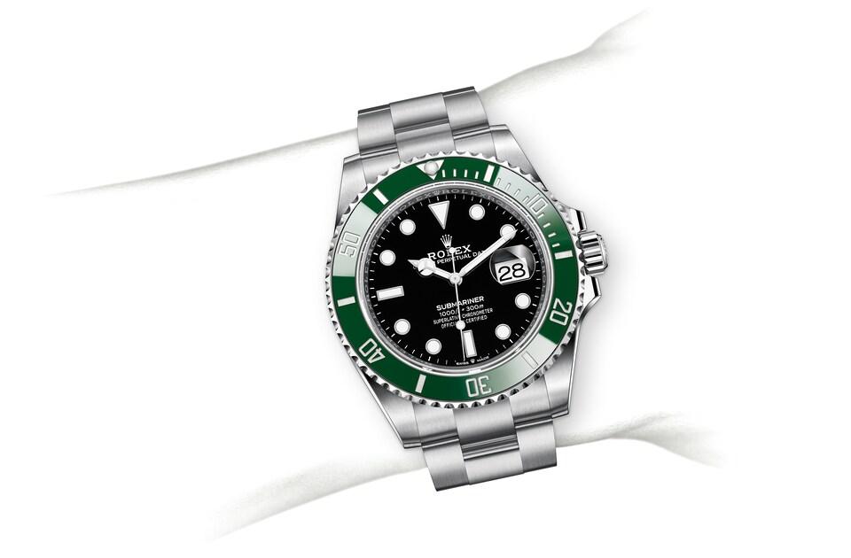 m126610lv 0002 modelpage on wrist landscape