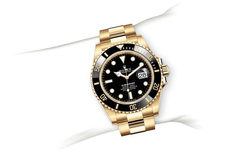 m126618ln 0002 modelpage on wrist landscape