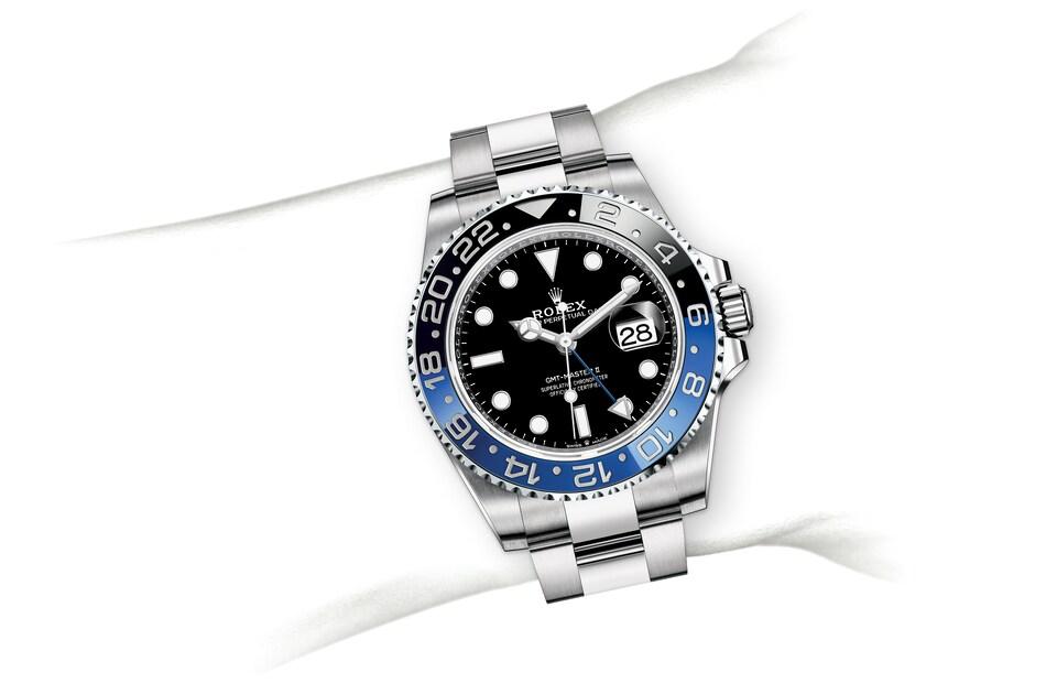 m126710blnr 0003 modelpage on wrist landscape