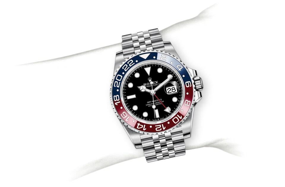 m126710blro 0001 modelpage on wrist landscape