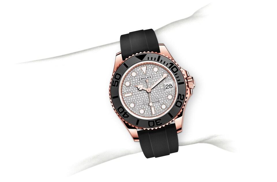 m268655 0013 modelpage on wrist landscape