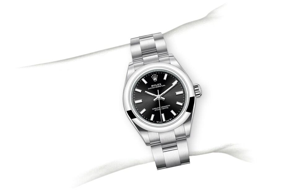 m276200 0002 modelpage on wrist landscape