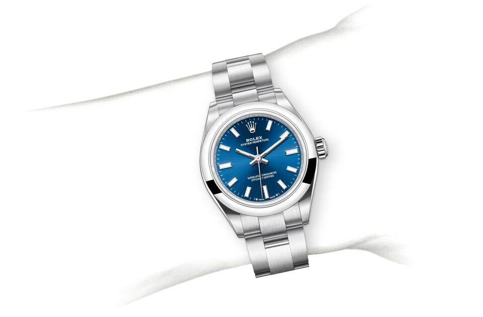 m276200 0003 modelpage on wrist landscape