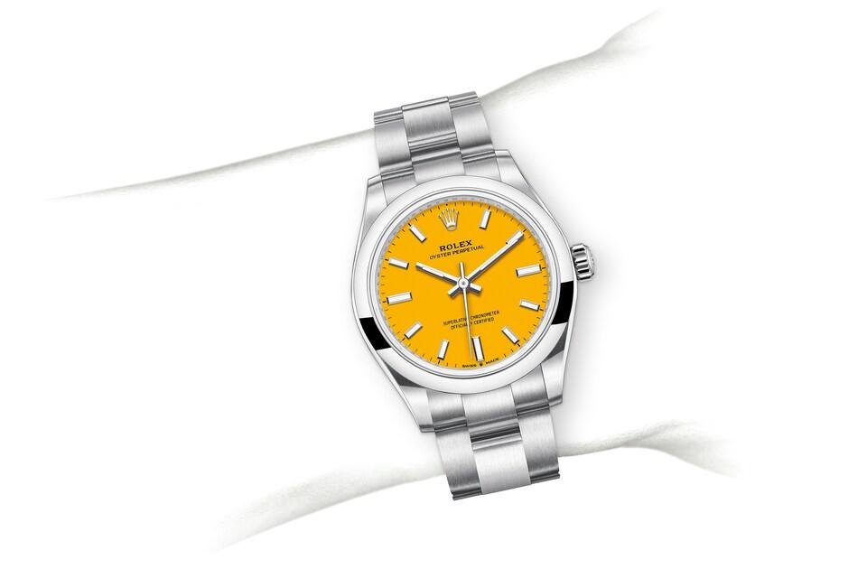 m277200 0005 modelpage on wrist landscape