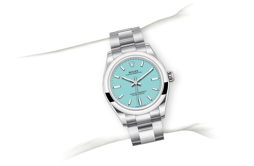 m277200 0007 modelpage on wrist landscape