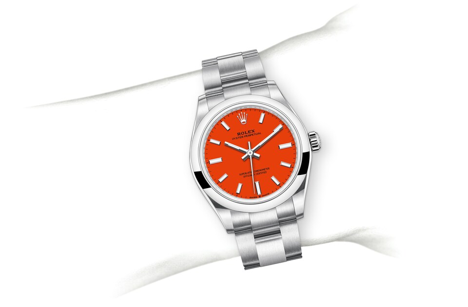 m277200 0008 modelpage on wrist landscape