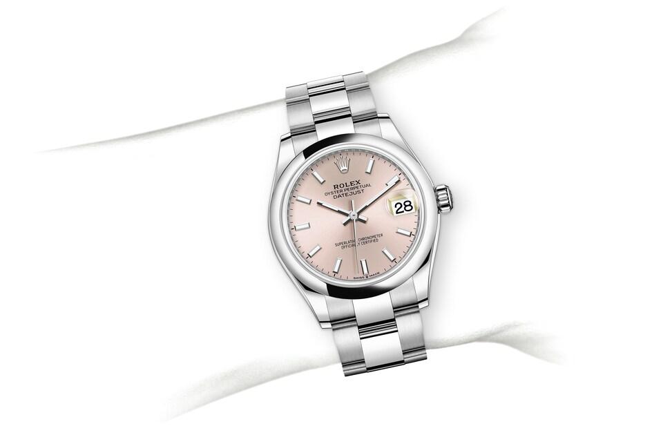 m278240 0007 modelpage on wrist landscape