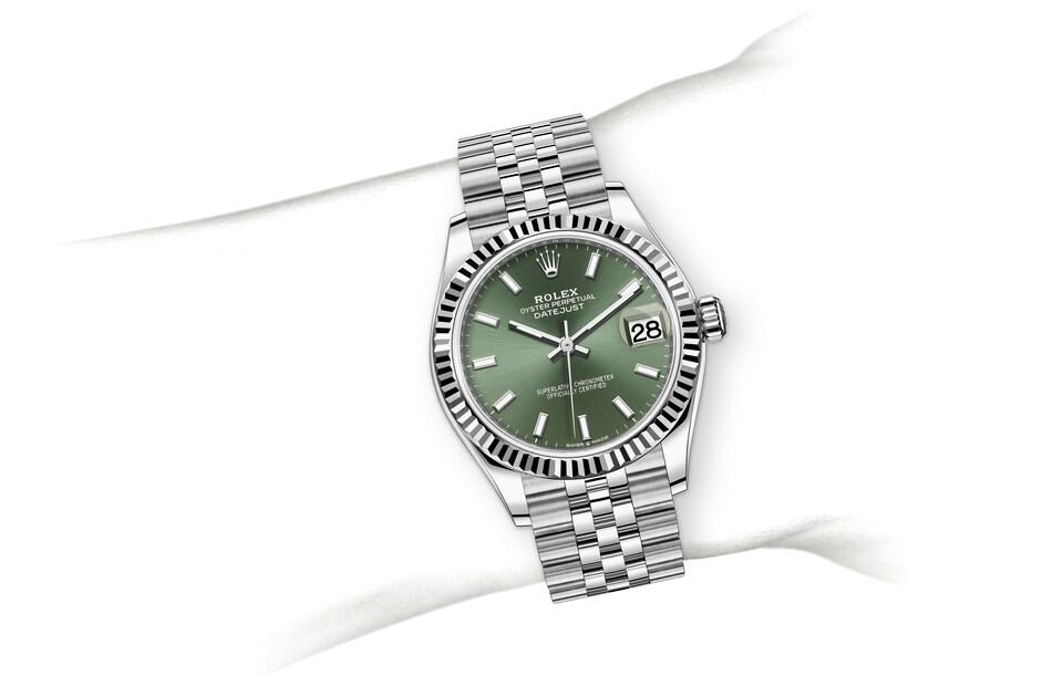 m278274 0018 modelpage on wrist landscape