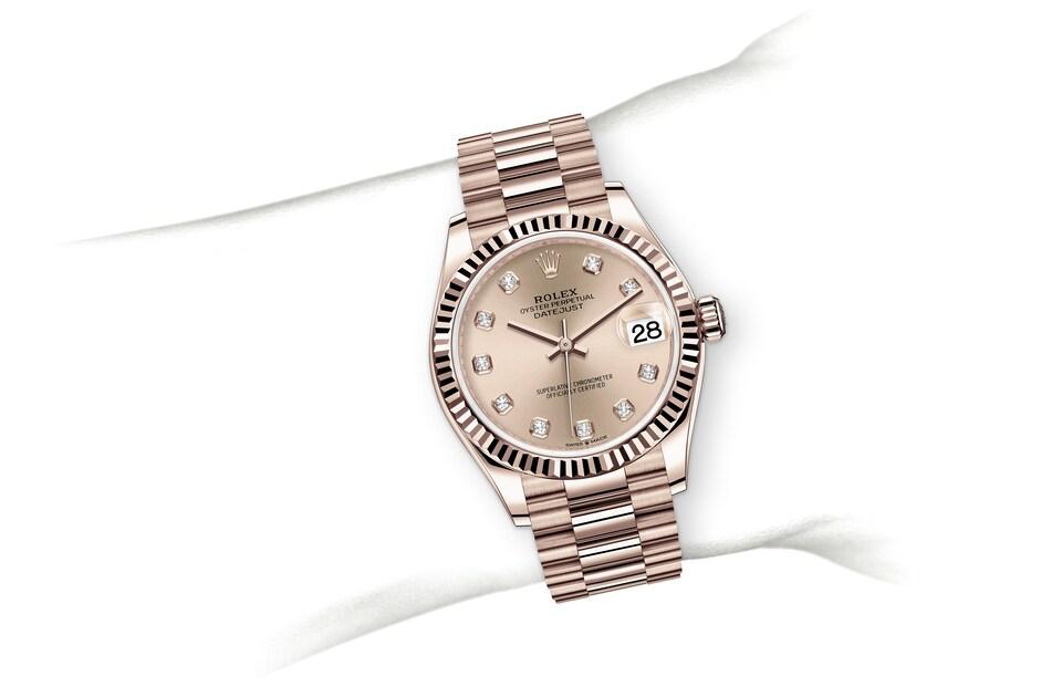 m278275 0031 modelpage on wrist landscape