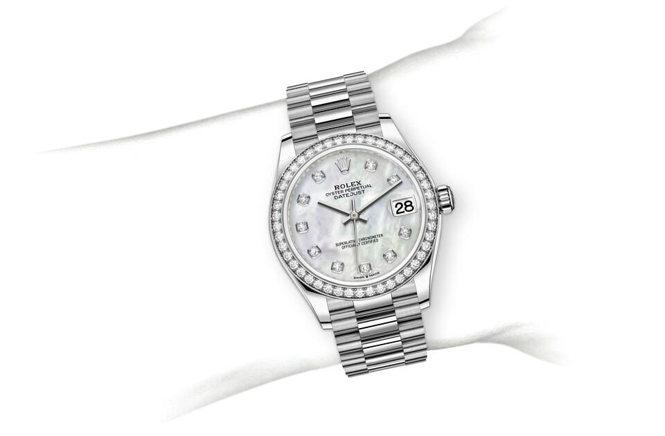 m278289rbr 0005 modelpage on wrist landscape