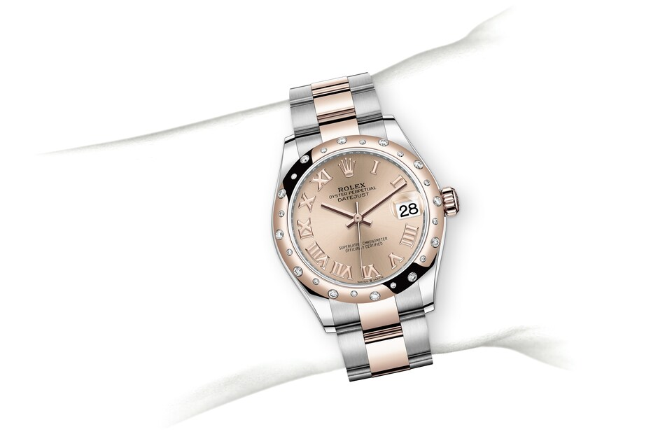 m278341rbr 0005 modelpage on wrist landscape
