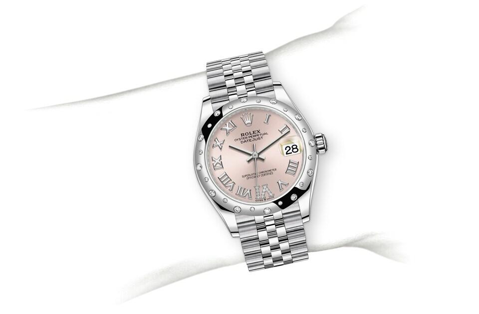 m278344rbr 0026 modelpage on wrist landscape