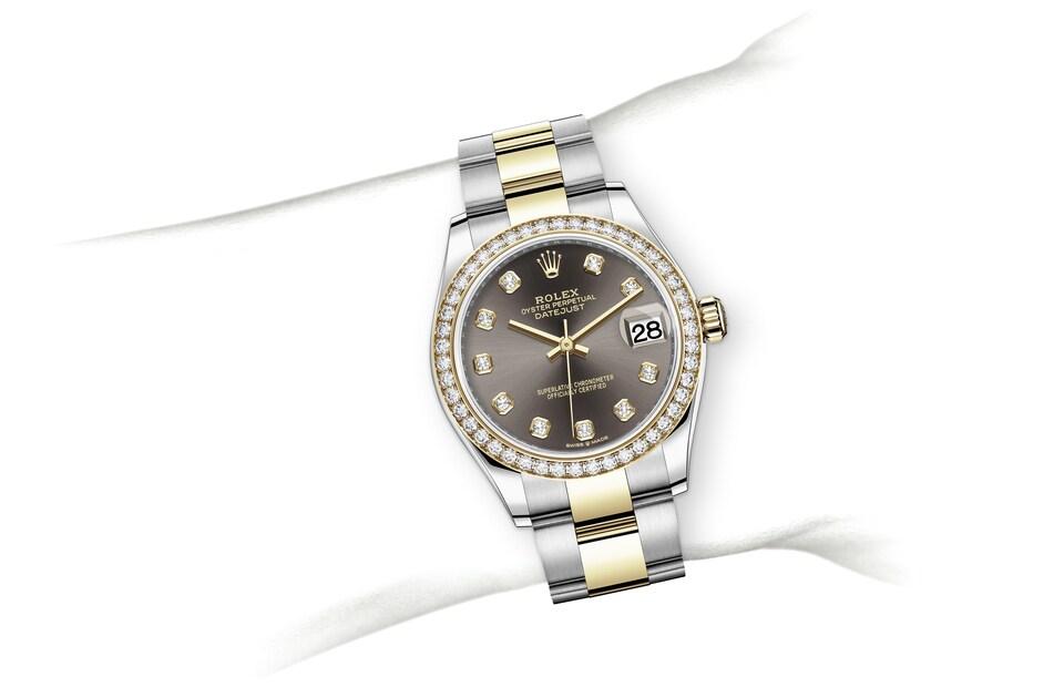 m278383rbr 0021 modelpage on wrist landscape