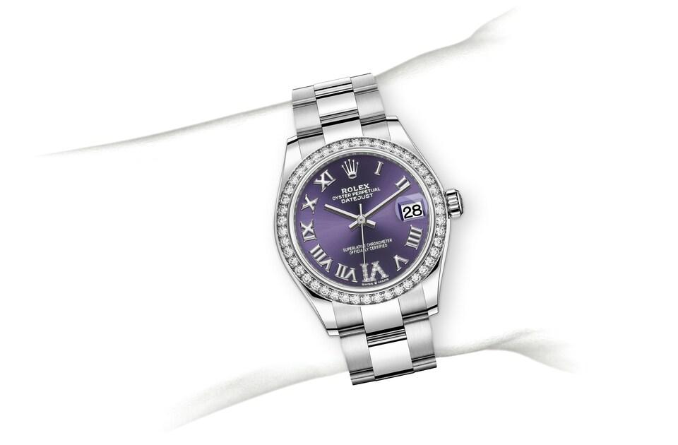 m278384rbr 0029 modelpage on wrist landscape