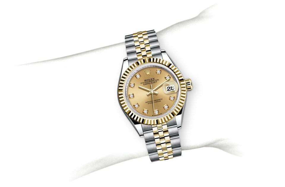 m279173 0011 modelpage on wrist landscape