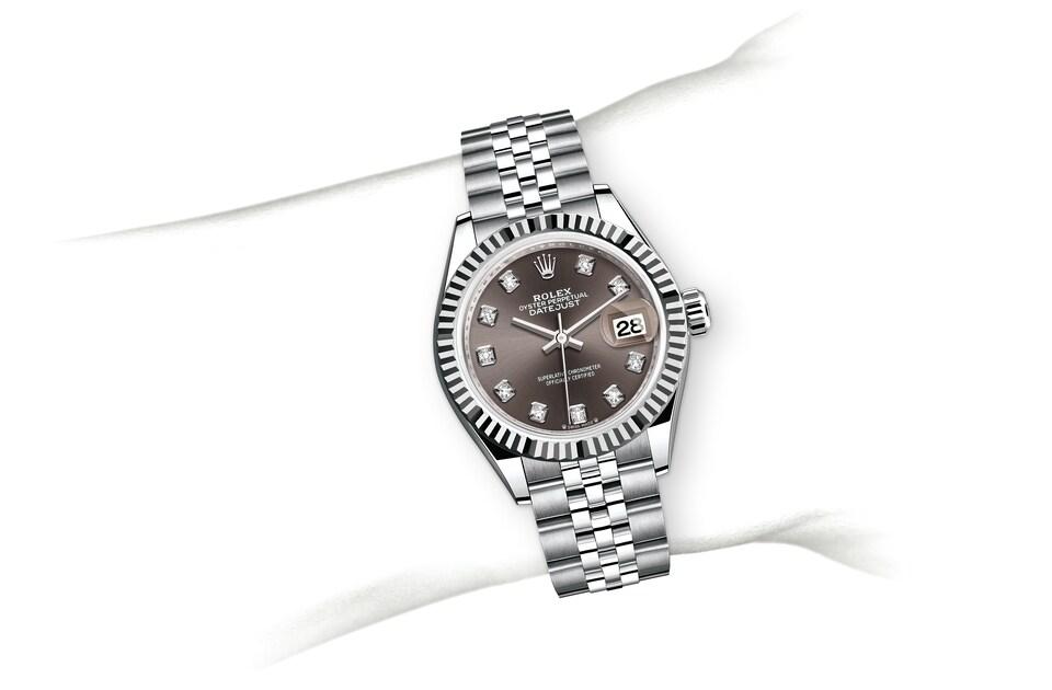 m279174 0015 modelpage on wrist landscape