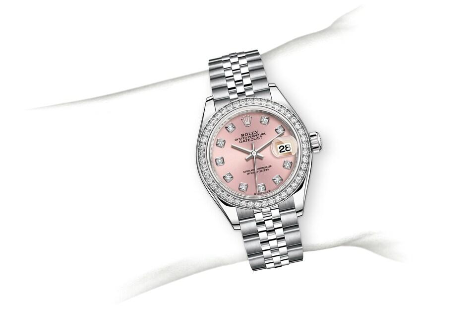 m279384rbr 0003 modelpage on wrist landscape